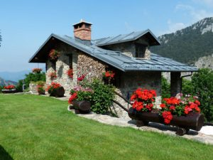 Una bella casa tra le colline.