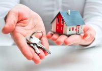 Chiave e Casa per Rappresentare l'Acquisto di una Casa Abitata