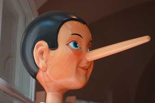 Pinocchio per rappresentare i proprietari che dicono le bugie